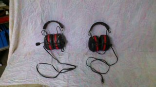 Deux casque micros aviation PELTOR